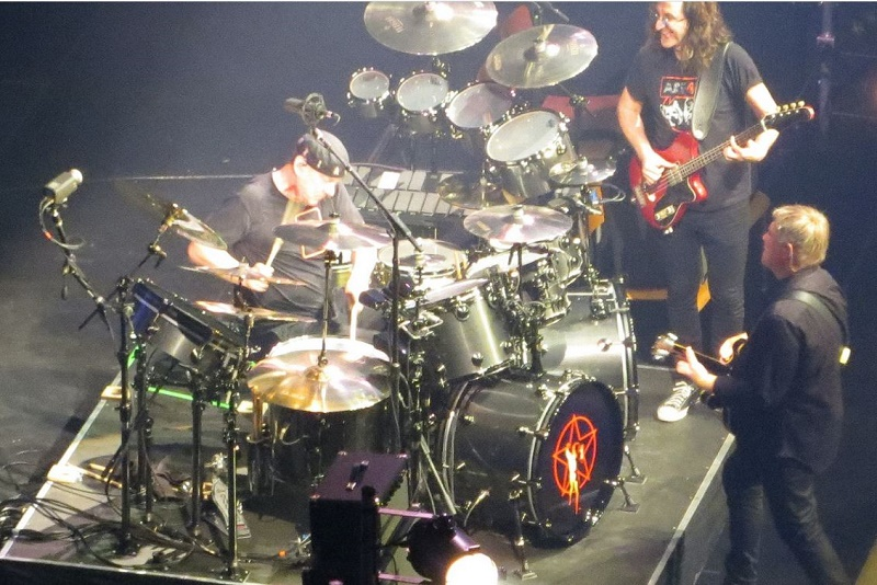 Neil Peart s R40 Retro drums Photo of Rush in Houston  TX  by  mstmompj