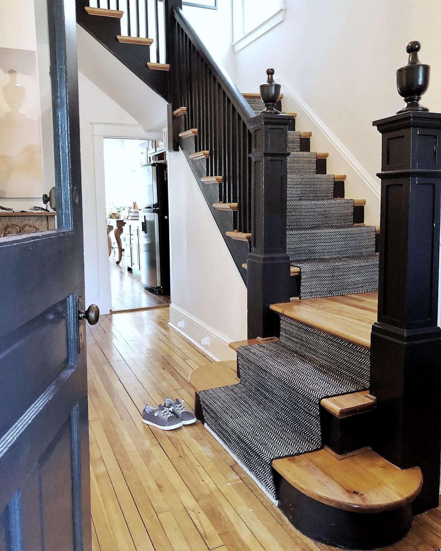 How To Choose A Stair Runner Rug Annie Selke | Indoor Outdoor Stair Runner | Antelope | Contemporary | Dash | Classic | Herringbone