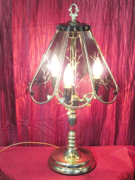 Lot Detail Pretty Touch Lamp With Glass Shade