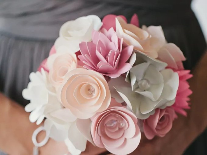 Wedding Flowers  Bouquets and Centerpieces DIY Wedding Flowers