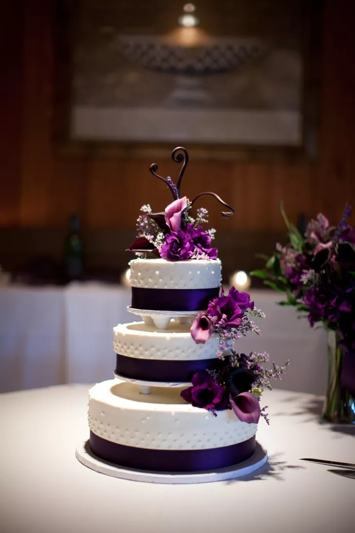 Black and White Wedding Cake with Purple Calla Lilies