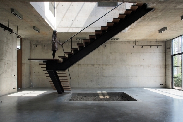 How To Detail A Fantastic Floating Staircase Architizer Journal | Floating Concrete Steps Designs | Exterior | Landscape | House | Sidewalk | Cement