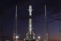SpaceX, Starlink projesi için uydu fırlatıyor