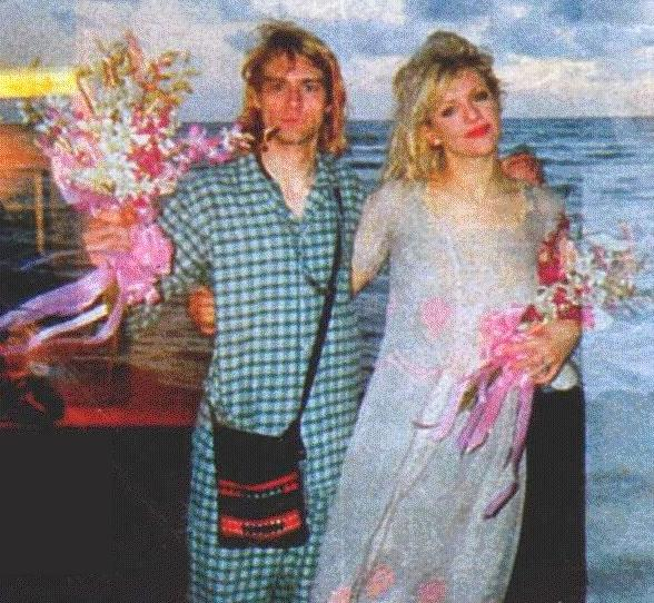 Rare Vintage Photos Of Kurt Cobain & Courtney Love On ...