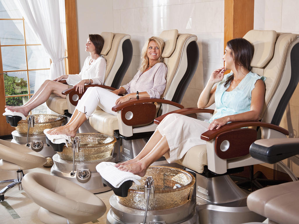 Is it safe to sit in a vibrating massage chair during ...