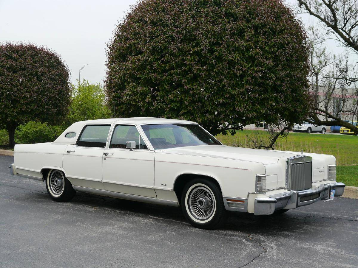 2002 Lincoln Town Car On 24s