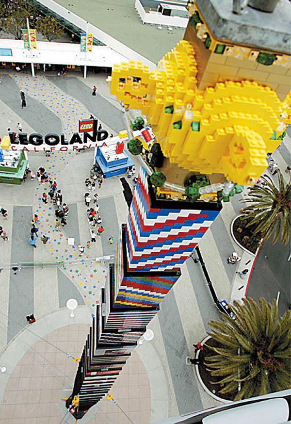 35 Lego Mega Constructions You  Probably  Haven t Seen Before   Hongkiat tallest tower