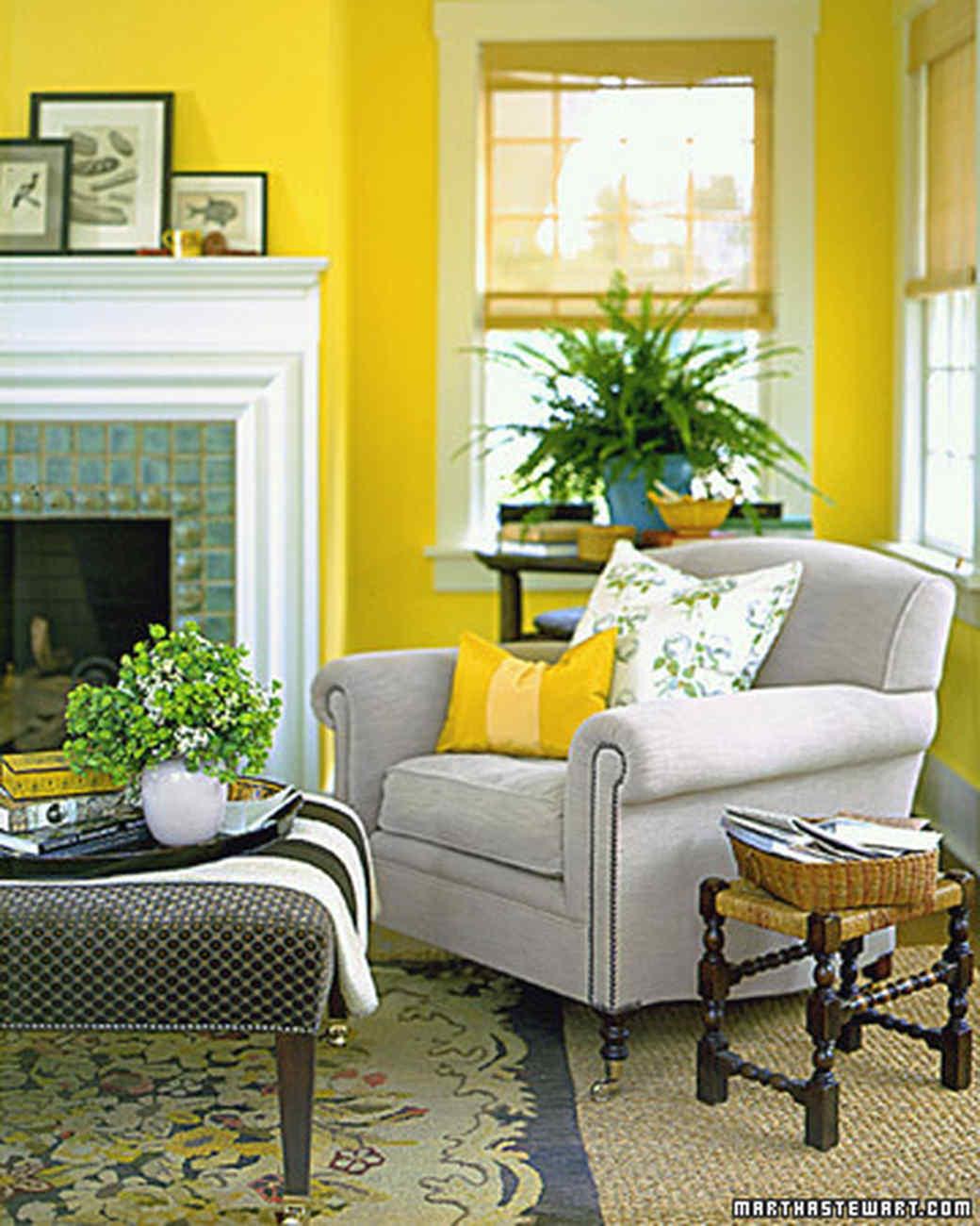 Living Room Design Yellow Walls
