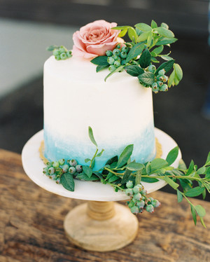 The Prettiest Ombr     Wedding Cakes for Couples Who Love Color     The Prettiest Ombr     Wedding Cakes for Couples Who Love Color