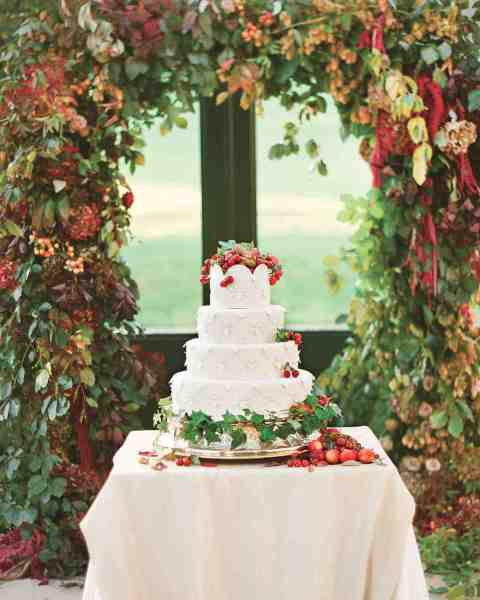 32 Amazing Wedding Cakes You Have to See to Believe   Martha Stewart     32 Amazing Wedding Cakes You Have to See to Believe   Martha Stewart  Weddings