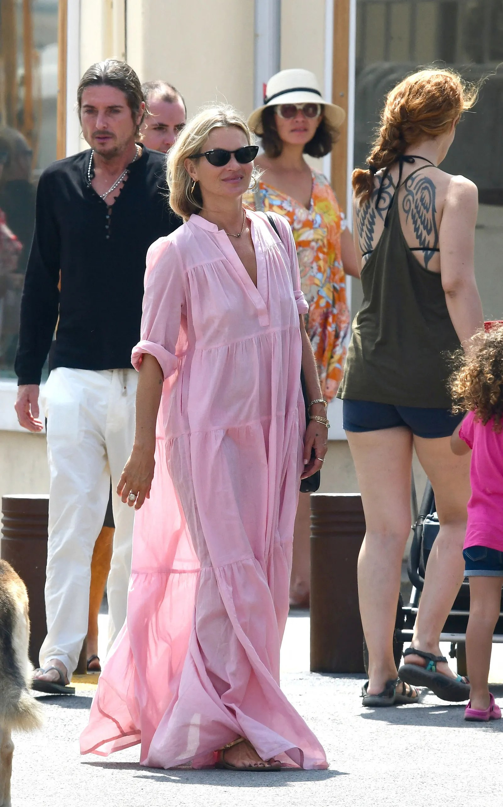 Kate Moss Puts A Supermodel Spin On The Summer Caftan Vogue