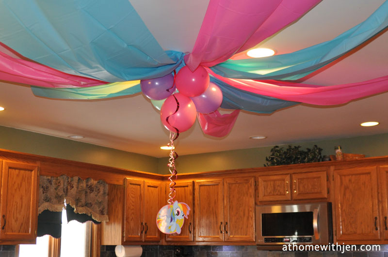 diy plastic tablecloth decorations      Thousands Pictures of Home     My Little Pony Birthday Party   ideas for a home party and free printable