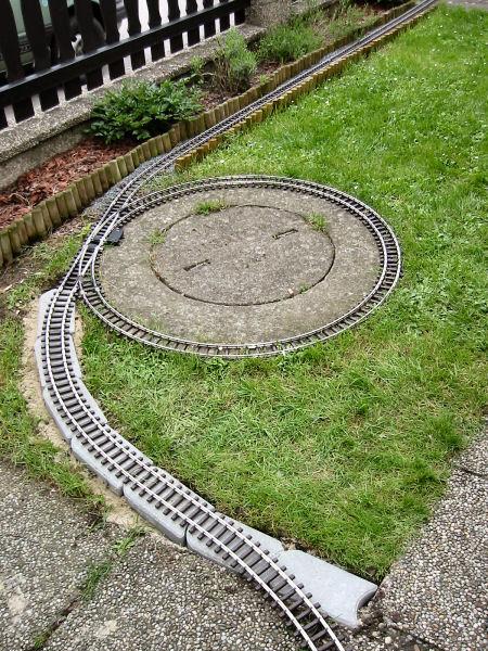 Building Garden Den