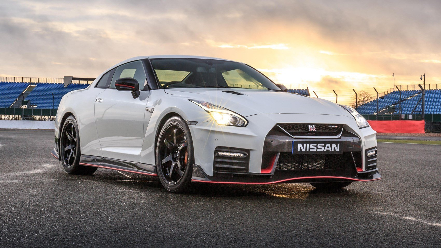 Latest Nissan Gt R Nismo 2017 Review Car Magazine Free Download
