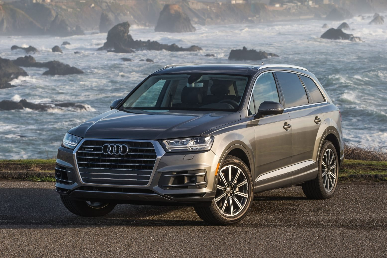 Latest 2019 Audi Q7 Top Hd Photos New Car Release Preview Free Download