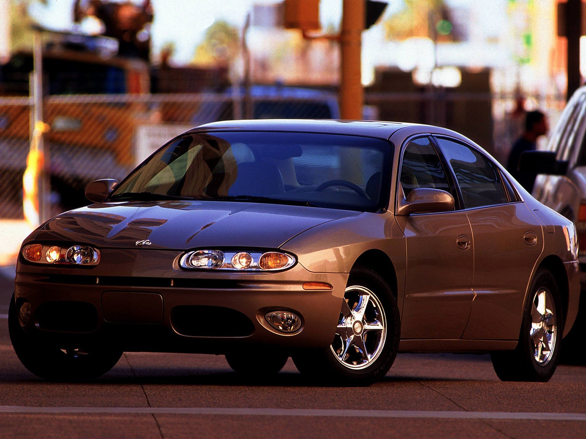 Latest Oldsmobile Aurora Specs Photos 2000 2001 2002 2003 Free Download