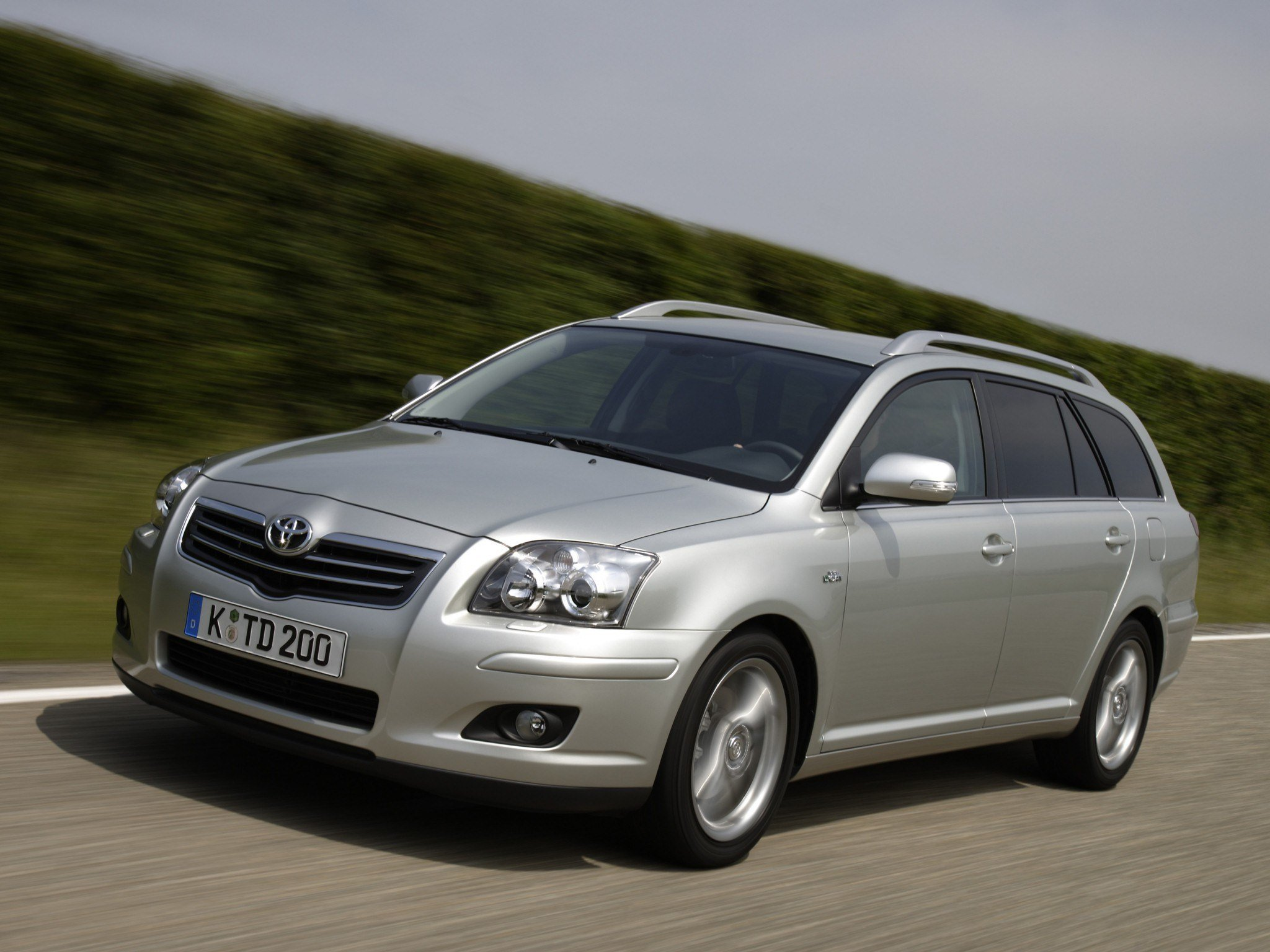 Latest Toyota Avensis Wagon Specs Photos 2006 2007 2008 Free Download