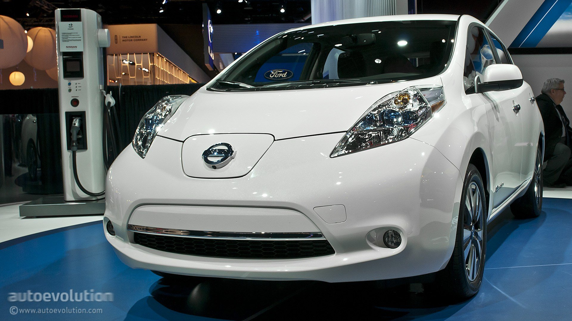 Latest 2013 Naias Updated Nissan Leaf Is Made In Usa Live Free Download