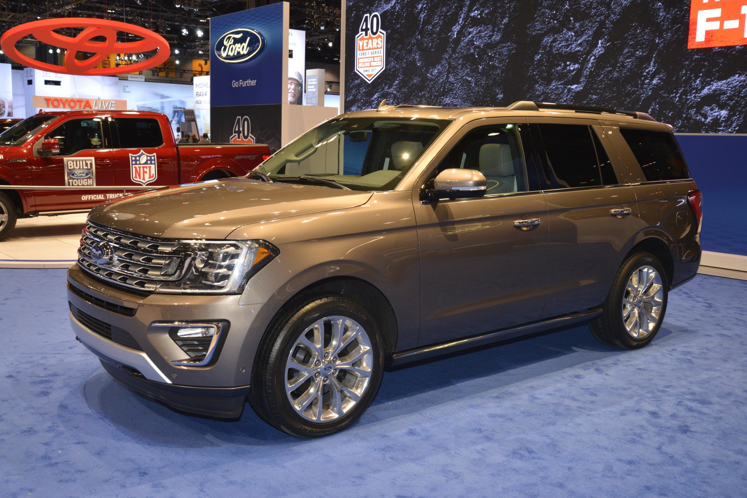 Latest 2018 Expedition Is Ford S Range Rover At The Chicago Auto Free Download