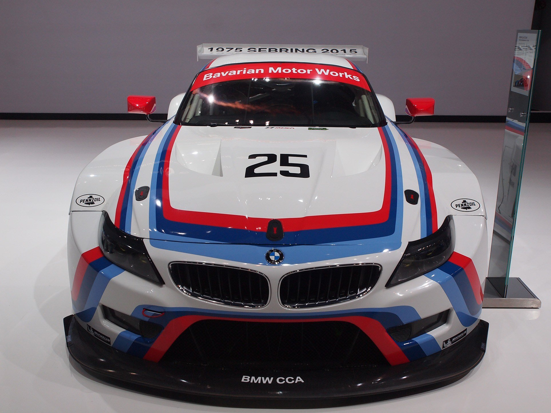 Latest Bmw's Line Up At New York Includes Racing Dna And 600 Hp Free Download