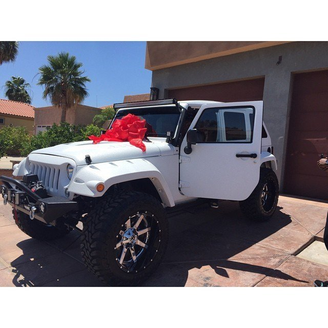 Latest The Game Buys New Jeep Wrangler For His Personal Assistant Free Download