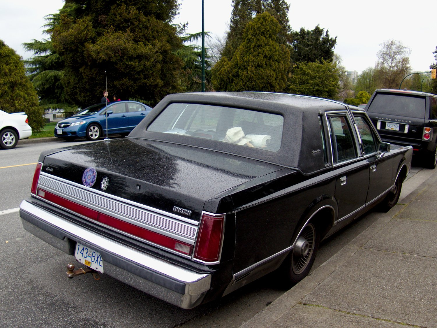 Latest Old Parked Cars Vancouver 1988 Lincoln Town Car Free Download