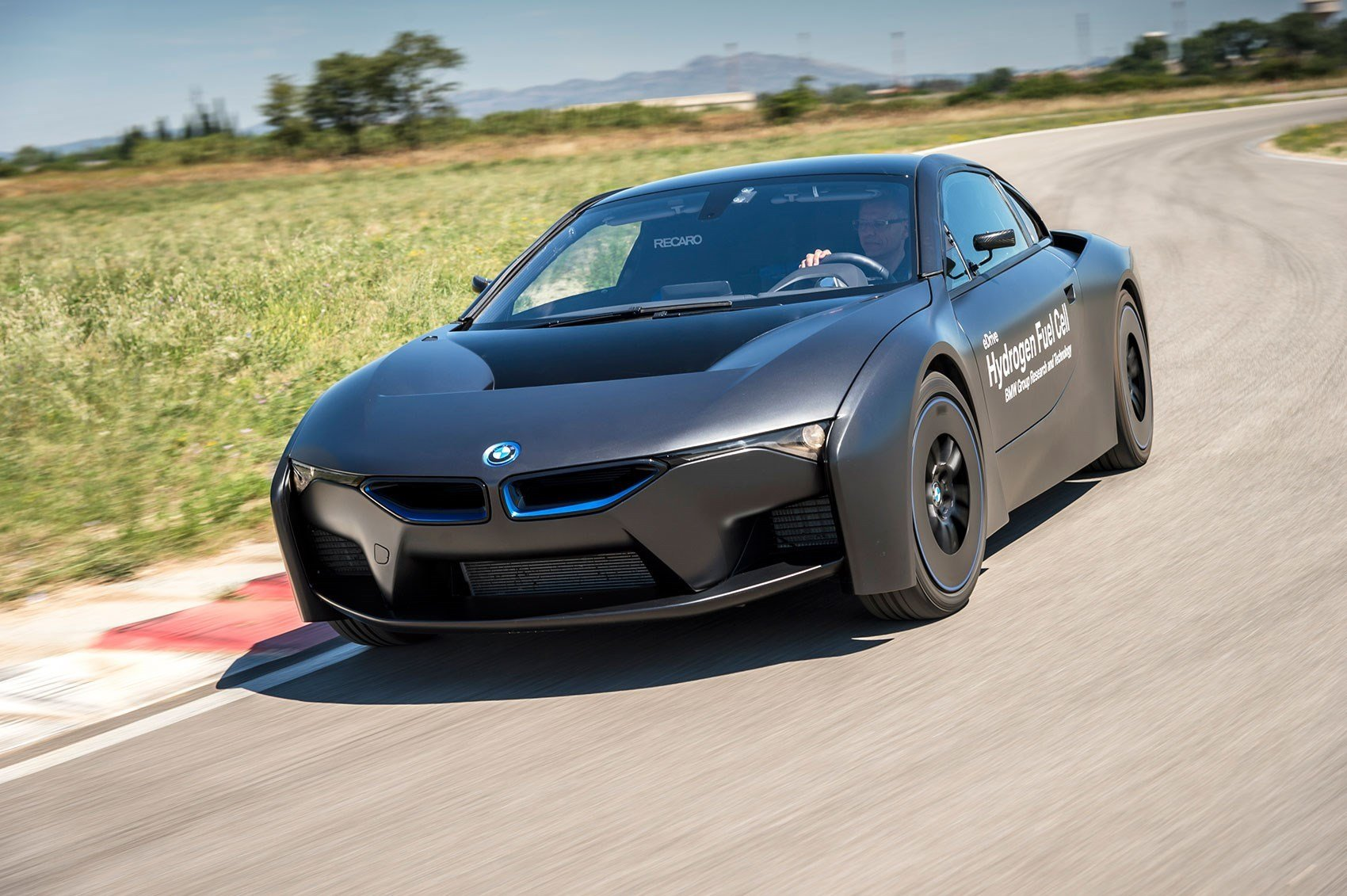 Latest Hydrogen To Hit The Highway New Bmw I8 Fuel Cell Unveiled Free Download
