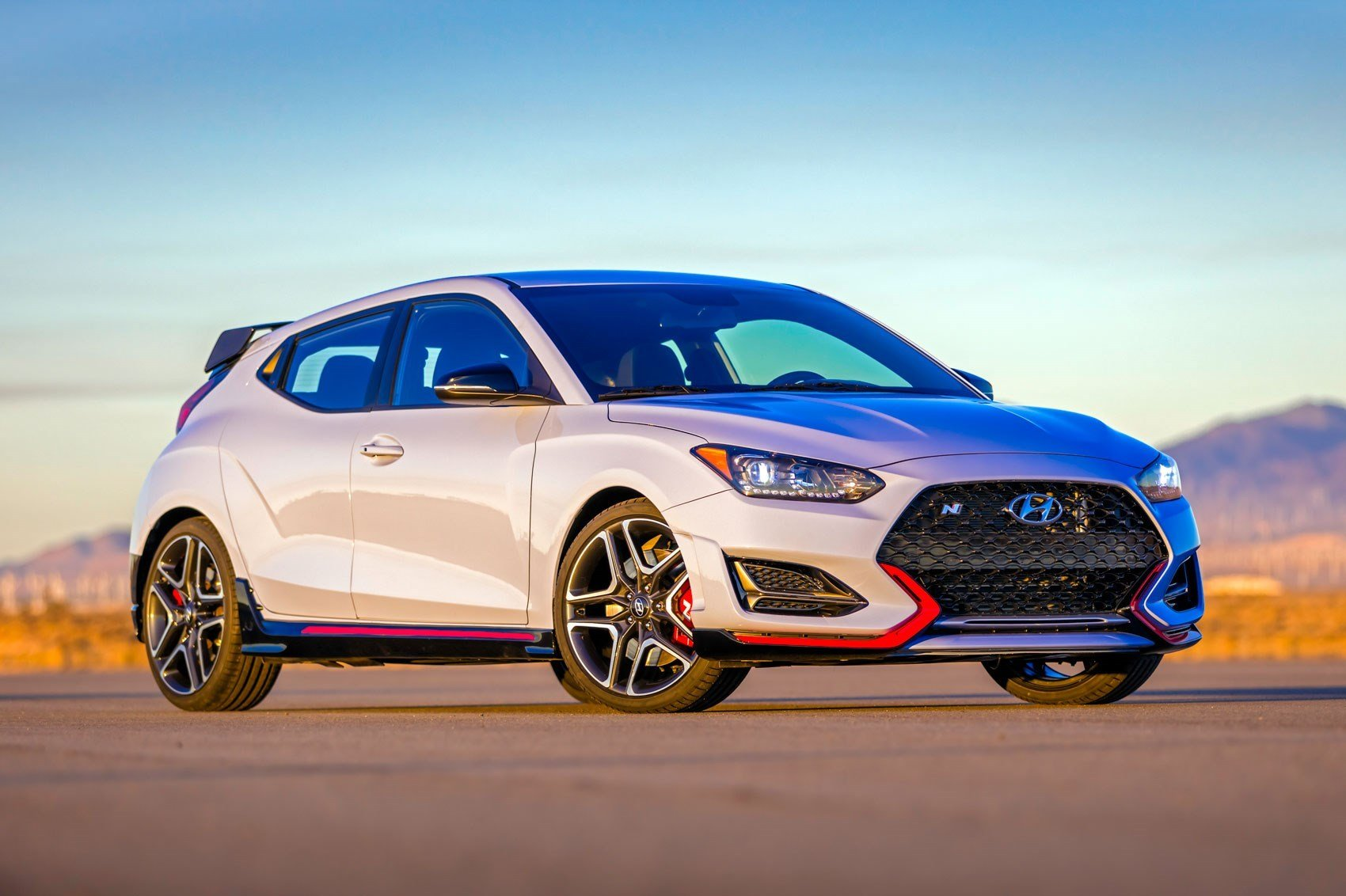 Latest New Hyundai Veloster 2018 New Coupe Blasts Into Naias Free Download