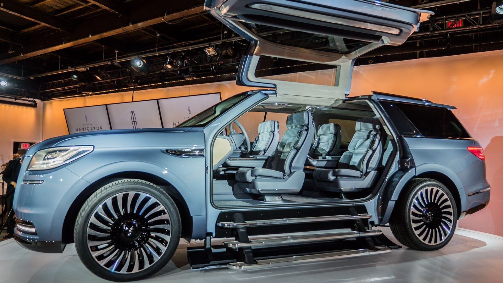Latest Lincoln Navigator Concept Spreads Its Wings At The New Free Download