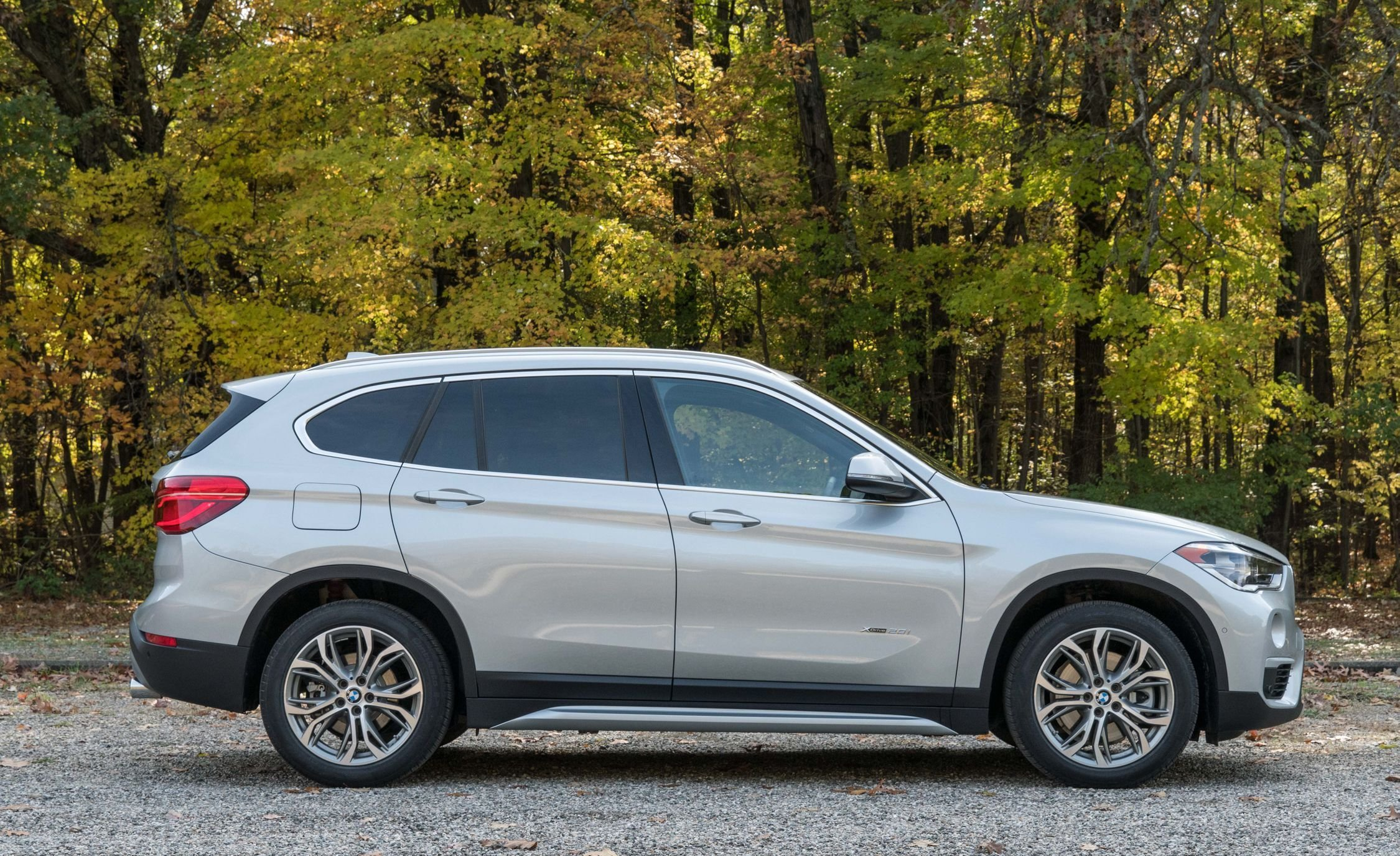 Latest 2018 Bmw X1 Interior Review Car And Driver Free Download