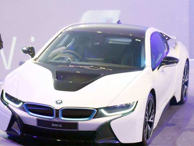 Latest Bmw Launches Its First Hybrid Costliest Car I8 At Rs 2 3 Free Download