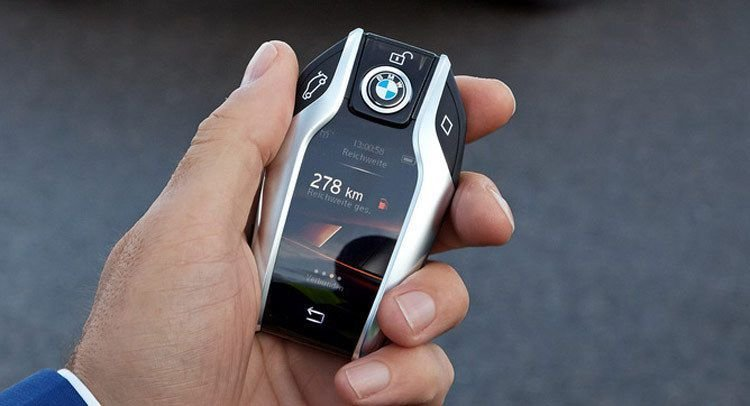 Latest New Bmw 7 Series Has A Super Cool Key Fob With A Digital Free Download