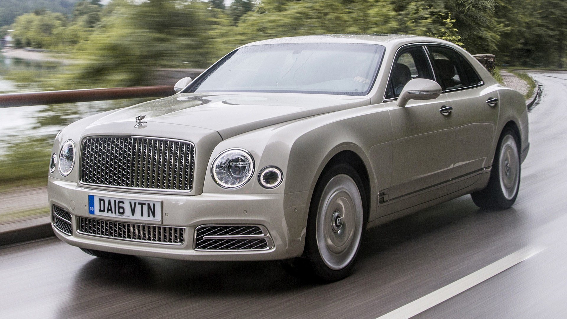 Latest 2016 Bentley Mulsanne Wallpapers And Hd Images Car Pixel Free Download