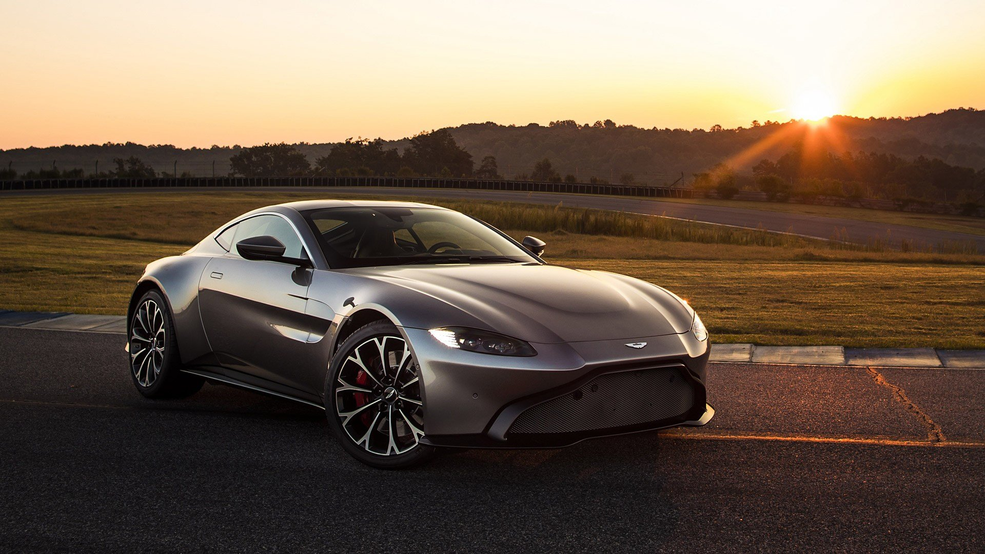Latest 2019 Aston Martin Vantage Wallpapers Hd Images Wsupercars Free Download