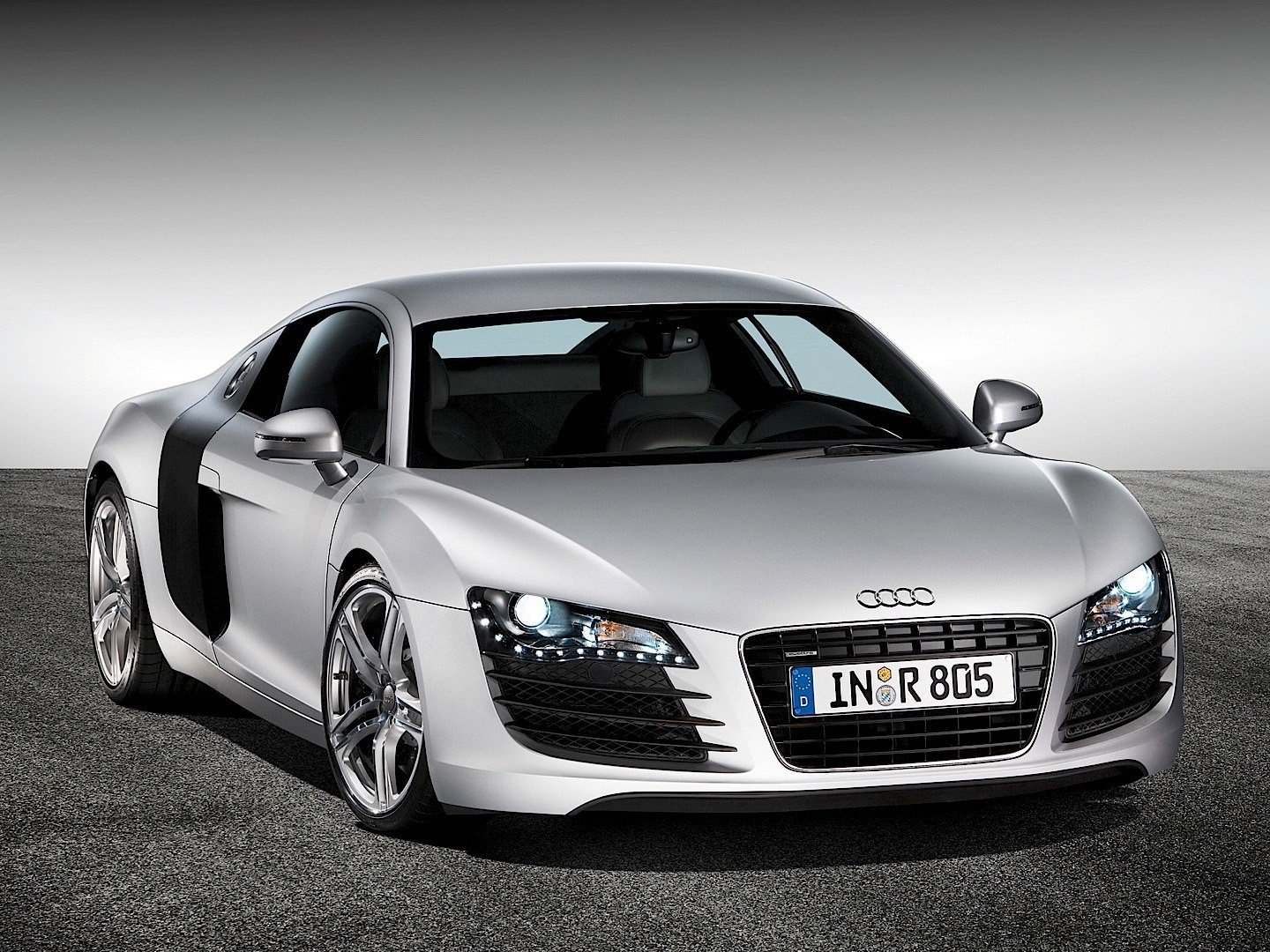 Latest Audi R8 V8 2007 2008 2009 2010 2011 2012 Free Download