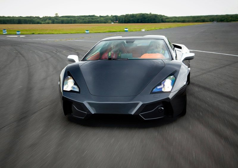 Latest Arrinera Supercar 2013 Free Download