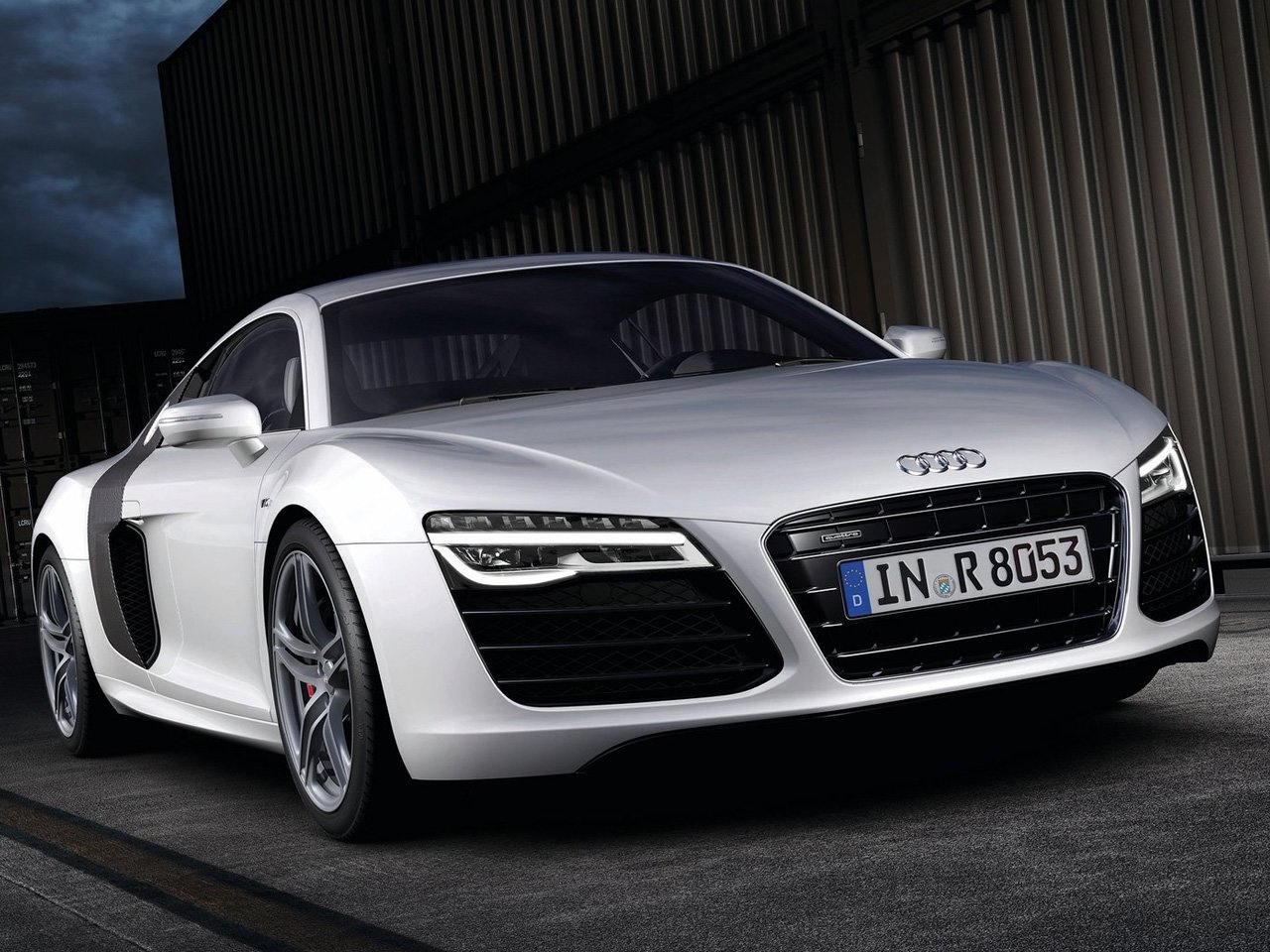 Latest 2013 Audi R8 V10 Auto Cars Concept Free Download