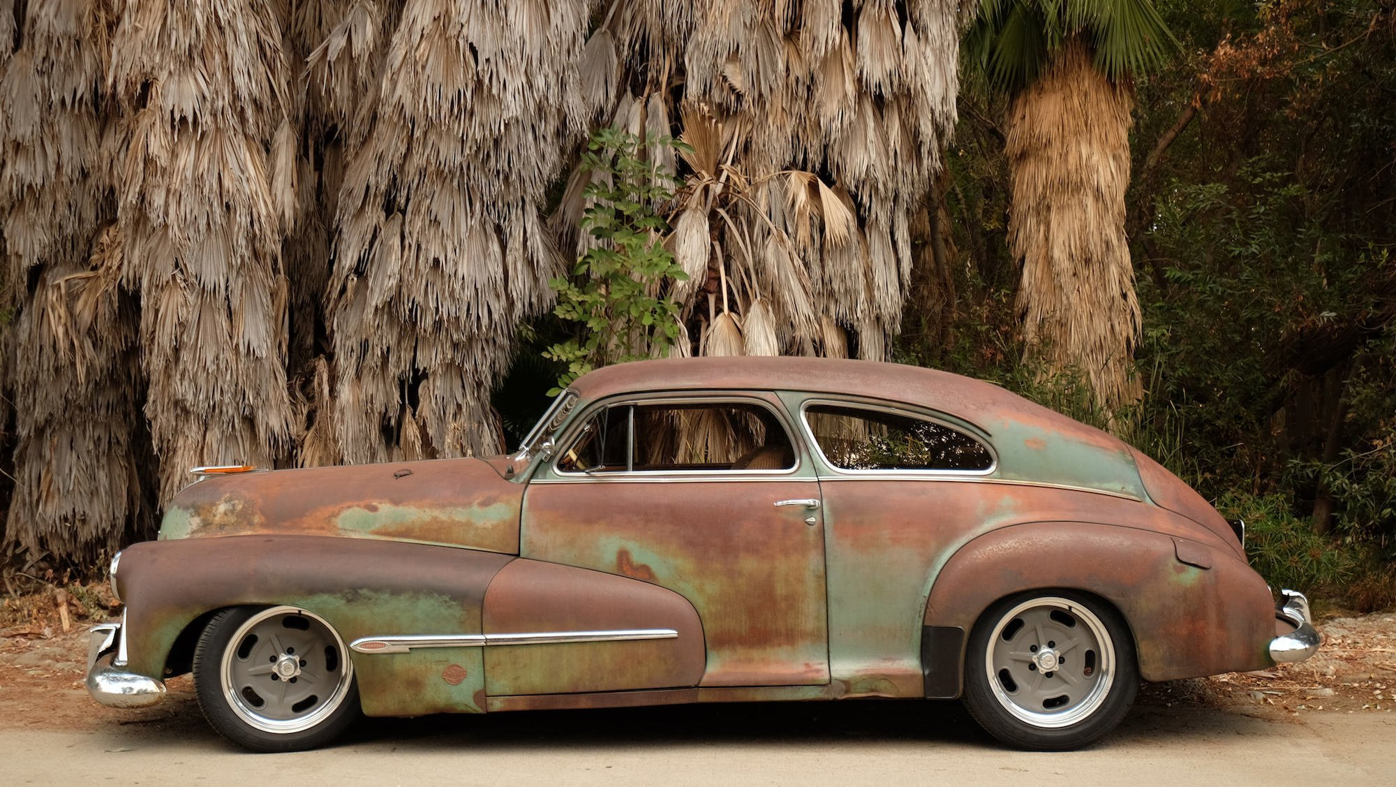 Latest 1946 Oldsmobile Icon Derelict Coupe Free Download