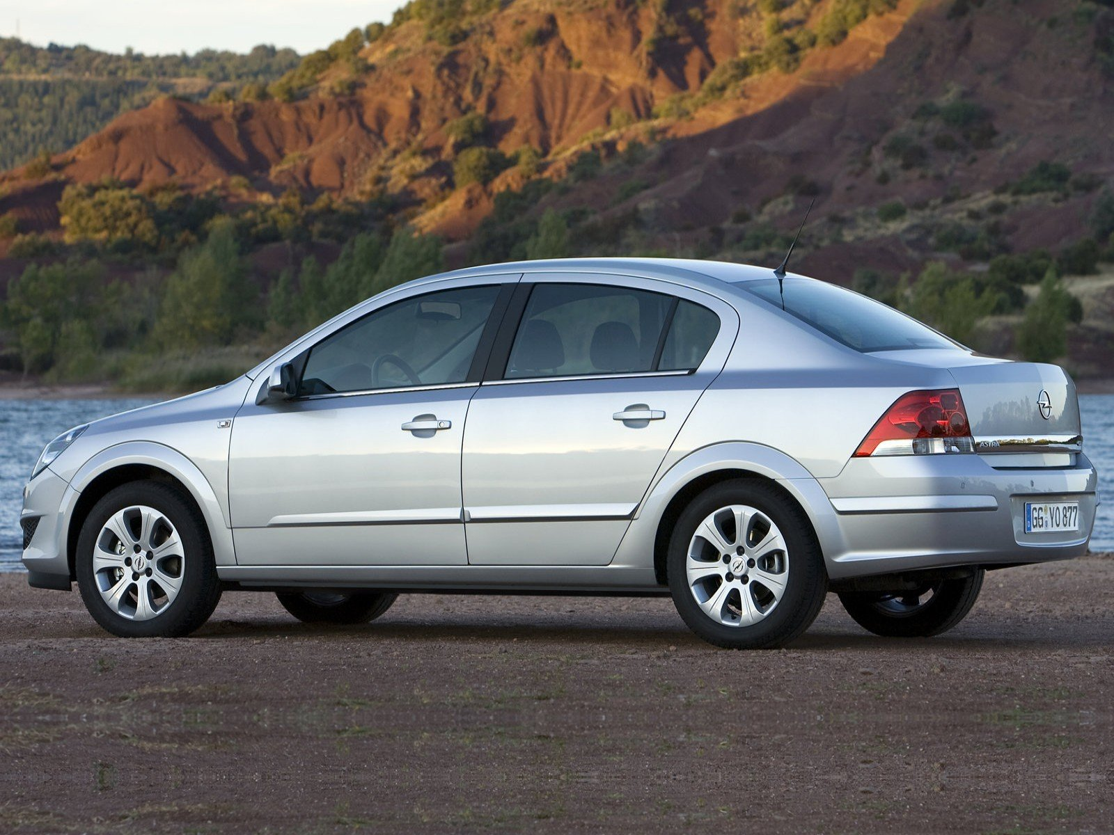 Latest Car And Car Zone Opel Astra Sedan 2007 New Cars Car Free Download