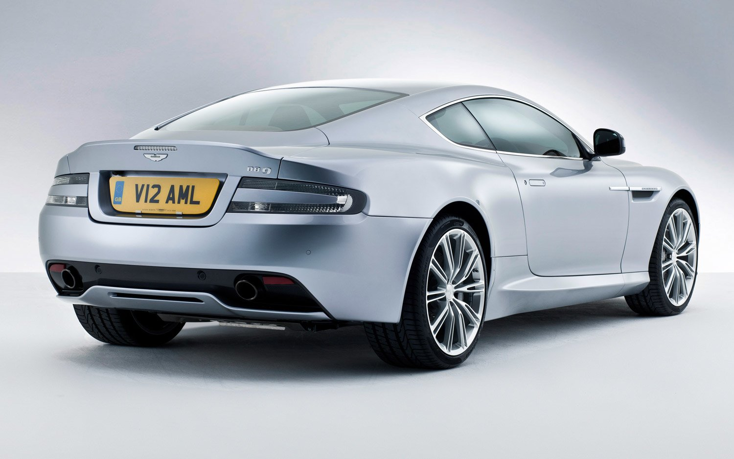 Latest 2013 Aston Martin Db9 New Cars Reviews Free Download