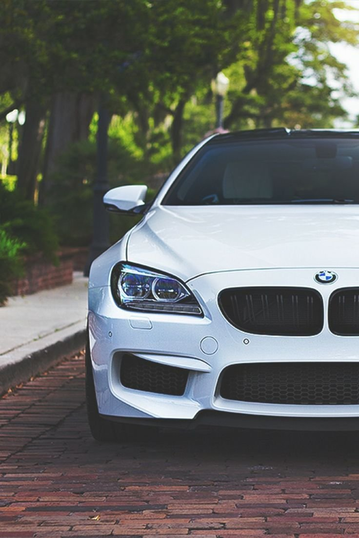 Latest Girl Driving A White Bmw M6 Free Download