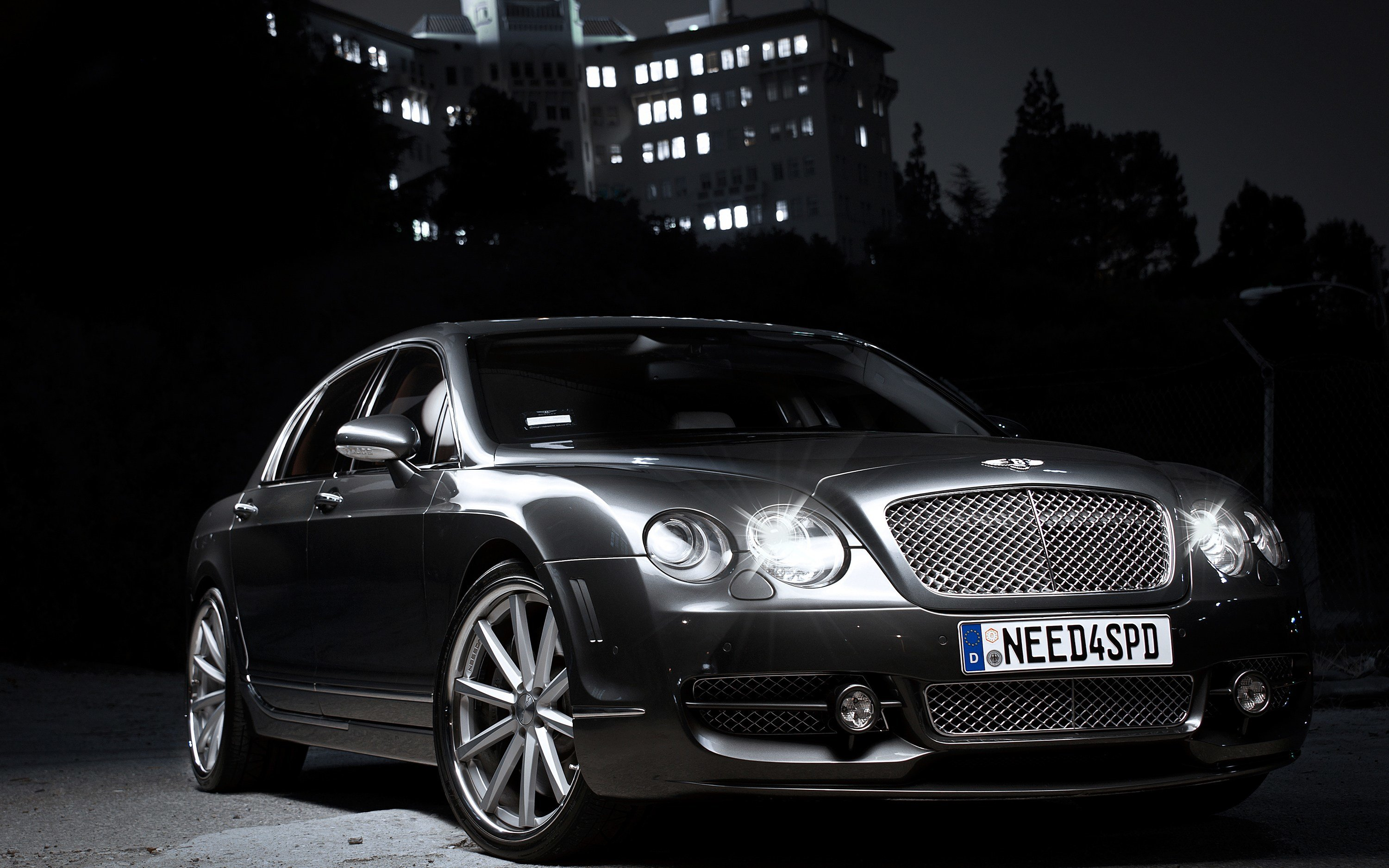 Latest 2012 Bentley Continental Flying Spur Wallpaper Hd Car Free Download