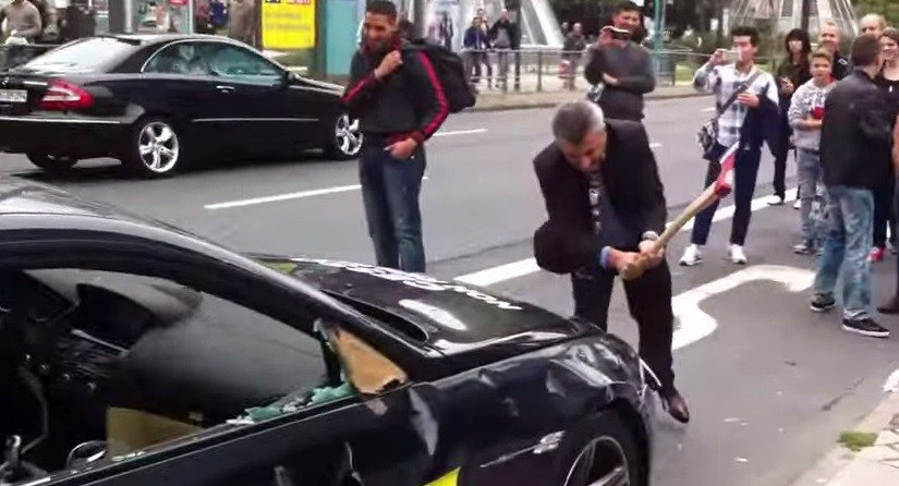 Latest Angry Bmw M6 Owner Smashes Car With Axe At Frankfurt Auto Free Download