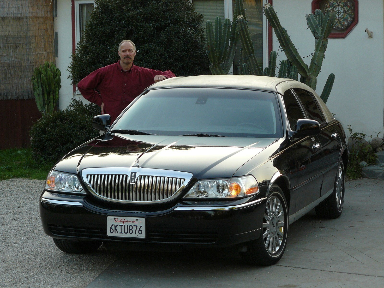 Latest 2011 Lincoln Town Car Information And Photos Momentcar Free Download