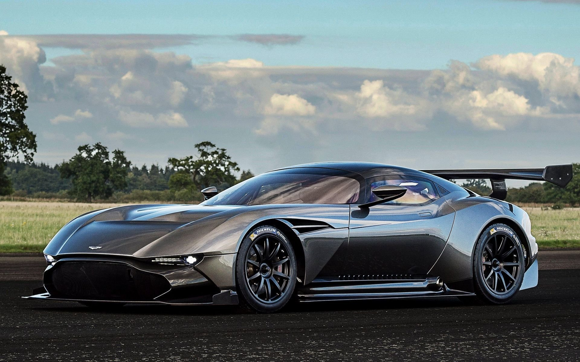 Latest Aston Martin Vulcan 2015 Wallpapers And Hd Images Car Free Download