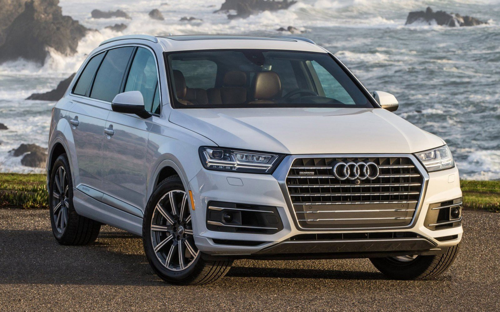 Latest 2017 Audi Q7 Visualizer Colors Cabins Pricing And Free Download