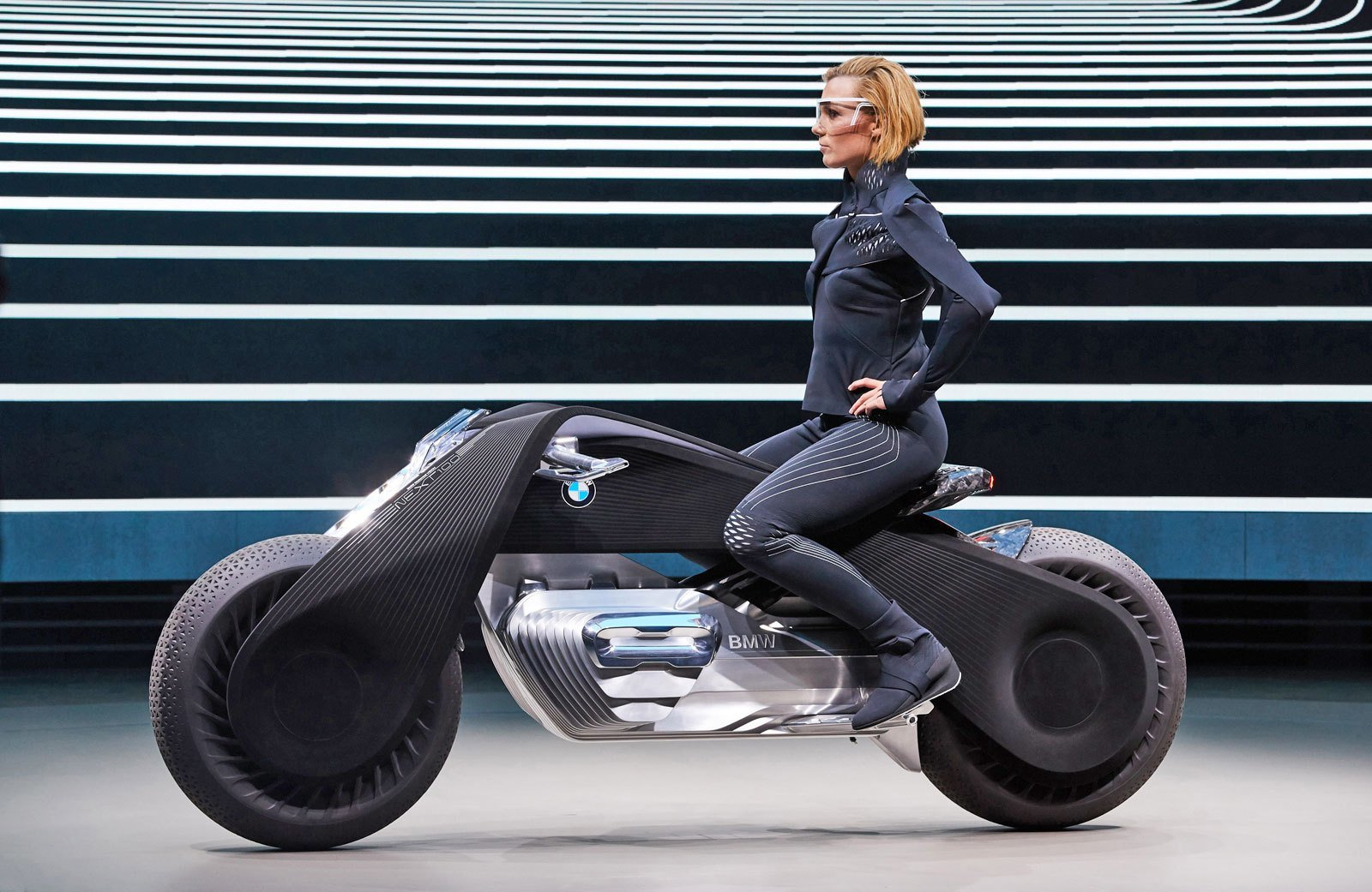 Latest Bmw S Futuristic Motorcycle Balances On Its Own Free Download