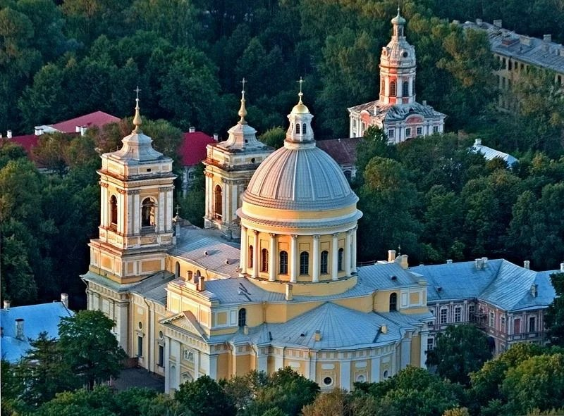 What to see in St. Petersburg in 5 days? Top 10 places