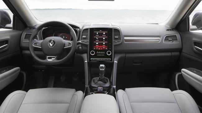 Nissan Quest 2017 Interior