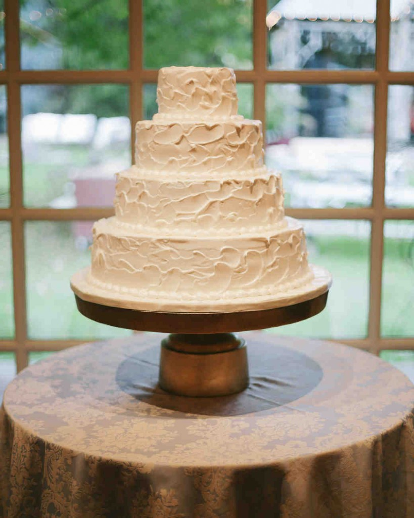 simple wedding cakes   A Wedding Cake Blog Simple  Rustic Wedding Cake